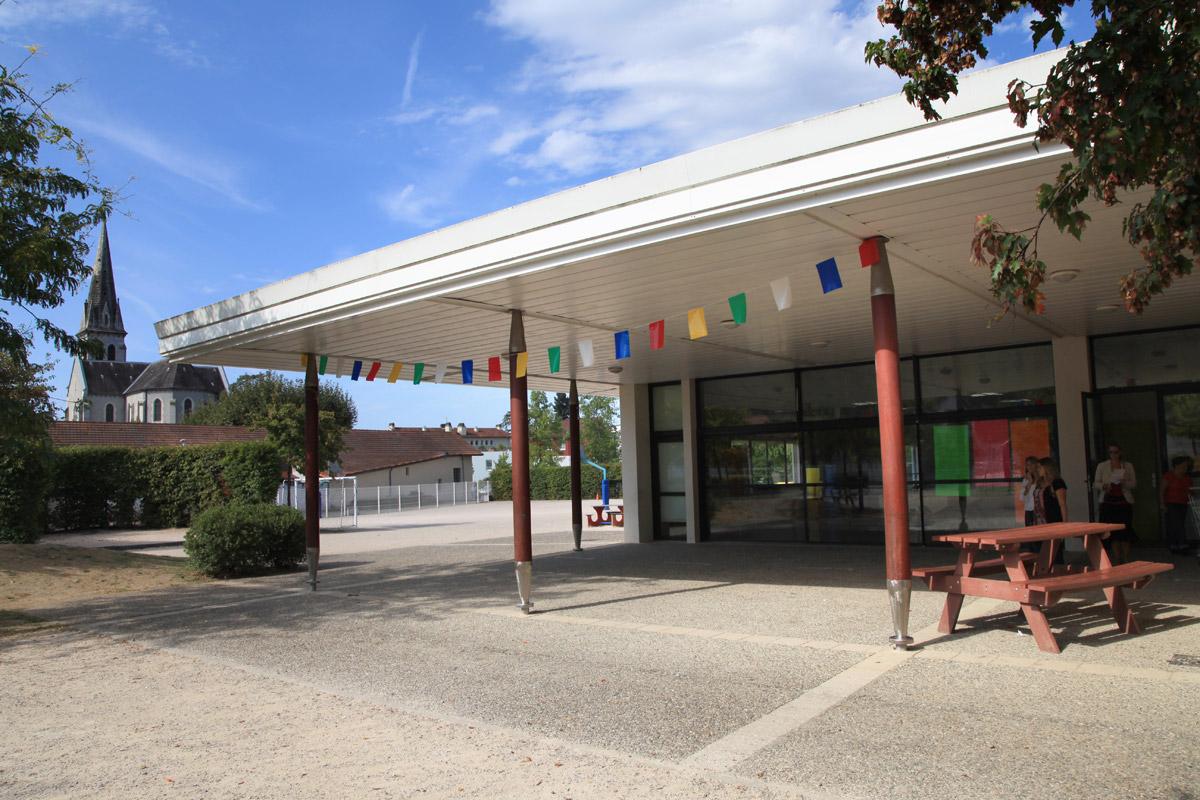 Despré Architecture COMPLEXE SOCIO-CULTUREL « DANIEL BALAVOINE » DE BIZANOS